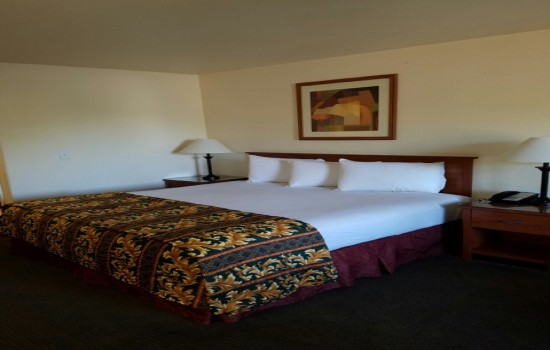 Welcome To Premier Inns Tolleson - Queen Room